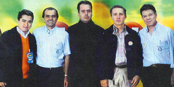 En 2006, los protagonistas de esta polémica, Germán Chica (iz.) y J. J. Rendón (centro), apoyaban a 'la U'.