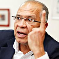 'En proceso con Farc no habrá impunidad que sí hubo con Auc'
