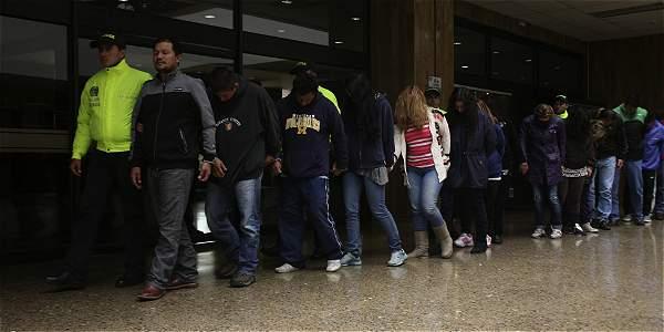 'Cerebros' de concesionarios fachada fueron detenidos después de un año de investigación. Se dedicaban a robar carros de alta gama.