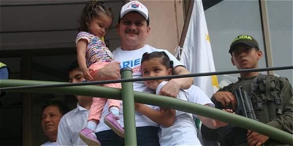 El carpintero Ariel Martínez fue recibido como un héroe en Caquetá.
