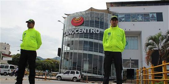 Al 'Loco' Barrera ya le han quitado bienes por medio billón de pesos