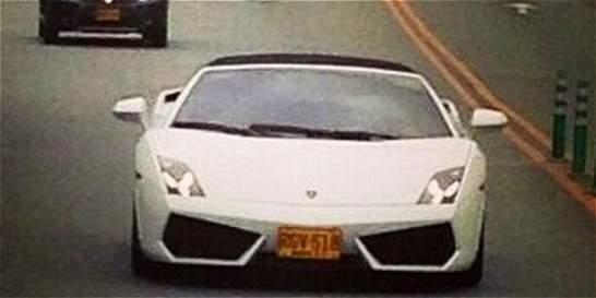 Carro de narcotraficante del 'clan Úsuga' aparece en video de reguetón