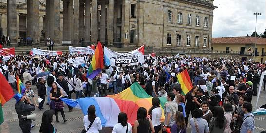 La otra demanda sobre adopción gay sin límites que lucha en la Corte
