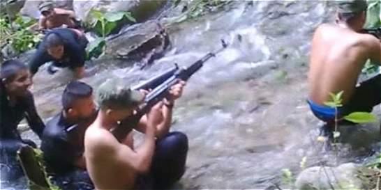 Revelan video de las Farc entrenando niños para combatir