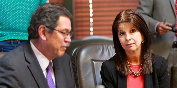 Los 8 magistrados de Corte Constitucional exigen renuncia de Pretelt