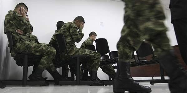 Según la ONG Human Rights Watch, hay más de 3.500 ejecuciones extrajudiciales a civiles cometidas por fuerzas militares.