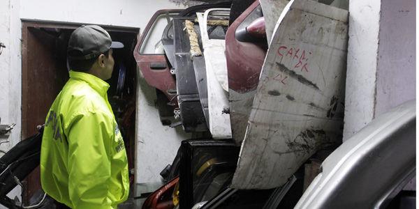 El mercado de autopartes o accesorios de vehículos hurtados se repite en cada ciudad del país.