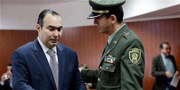 El magistrado Jorge Pretelt negó haber conocido al exjefe paramilitar Vicente Castaño y dijo que la versión de 'Báez' es falsa.