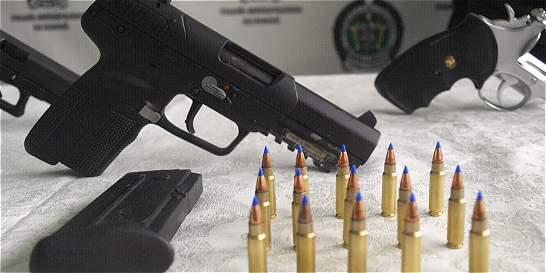 Capturan a 7 suboficiales del Ejército por traficar armas a las Farc
