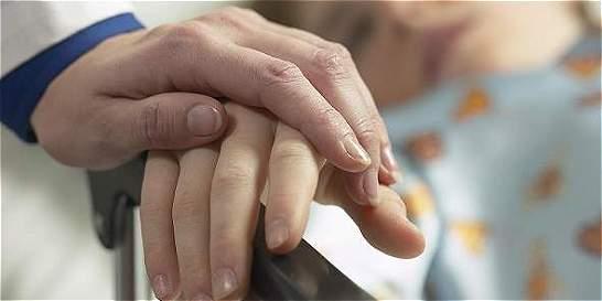En firme, fallo que ordenó reglamentar la eutanasia en Colombia