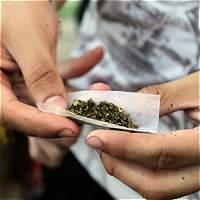 Plantean cambio de estrategia en lucha contra las drogas en Colombia