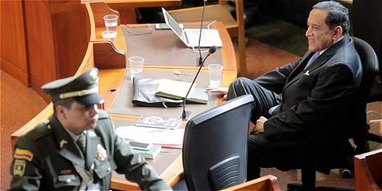 General (r) Maza Márquez no reconoció al teniente Torregrosa en fotos