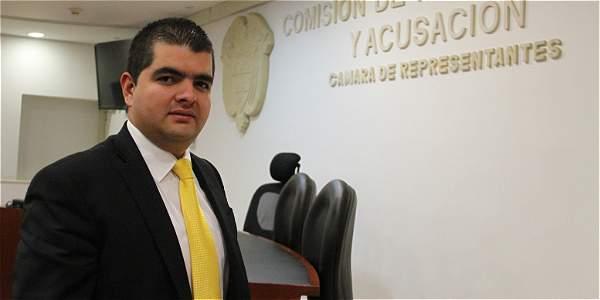 'Procuraduría está defendiendo a Pretelt': Julián Bedoya