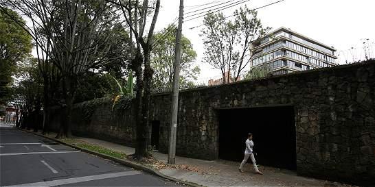 El encarte con la casa de Rodríguez Gacha en Bogotá