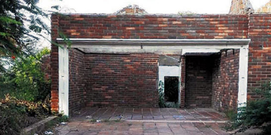 La mansión de 'Cadena', el azote de Sucre, se cae a pedazos