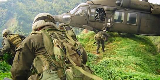 Restos de uniformados muertos en accidente aéreo ya están en Bogotá