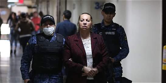 Condenan a seis años de casa por cárcel a Silvia Gette