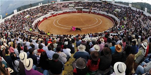 Desde su llegada a la Alcaldía, Gustavo Petro ha impedido la realización de corridas en la Plaza de Toros de Santamaría.