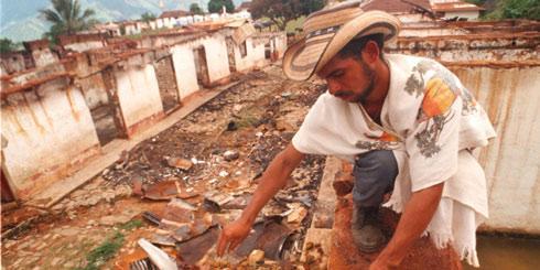 Actuación frente a masacre de El Aro enreda a Uribe 18 años después