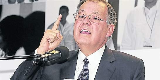 El expresidente Gaviria vive entre la estratósfera y Marte: Procurador