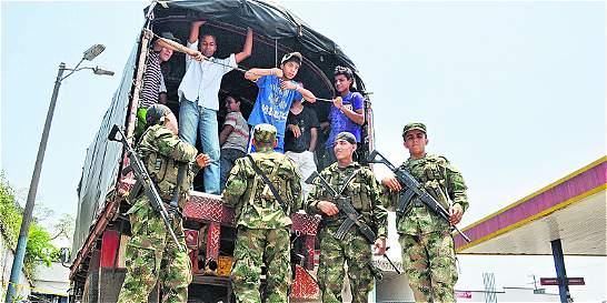 Corte ordena investigar a militares por realizar 'batidas' prohibidas