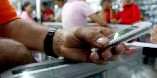 Bandas de robo de celulares infiltraron a operadores