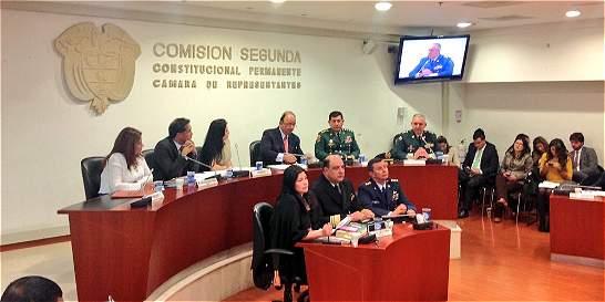 Mindefensa habla en el Senado actualización de doctrina militar