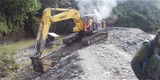 Destruyen maquinaria destinada a minería ilegal
