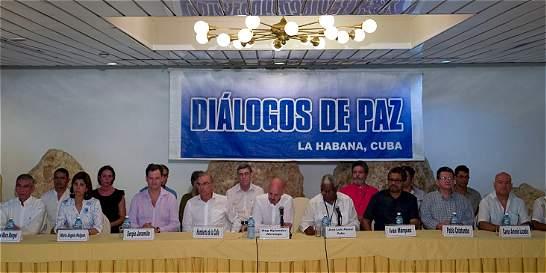 Farc piden a Gobierno plan de acción contra grupos paramilitares