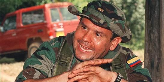 Condenan al Estado por publicar foto errada de Carlos Castaño