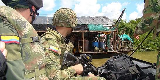 Destruyen 12 dragas de minería ilegal en el Guainía
