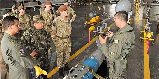 Segundo comandante de la Otán visitó guarniciones de las FF. AA.