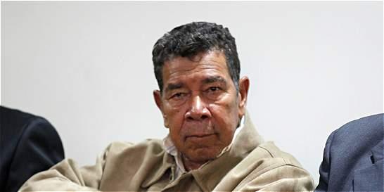 Sale de prisión el exjefe paramilitar Ramón Isaza