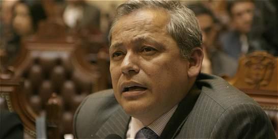 Andrade hablará en la Procuraduría de escándalo sexual en la Policía