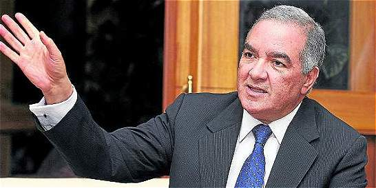 Contralor dice que no es necesario plebiscito para los acuerdos de Paz