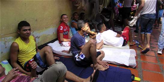 Congresistas visitarán presos que estaban en huelga de hambre