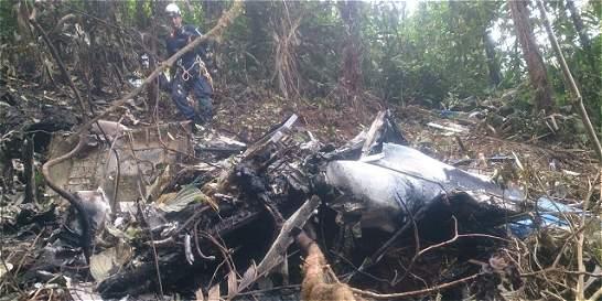 Hallan helicóptero desaparecido, sus tres ocupantes murieron