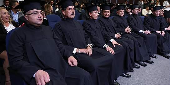 Once presos de La Picota se graduaron como abogados