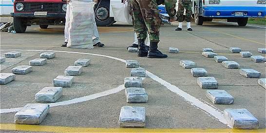 Agentes del CTI capturados revendían droga incautada a narcos