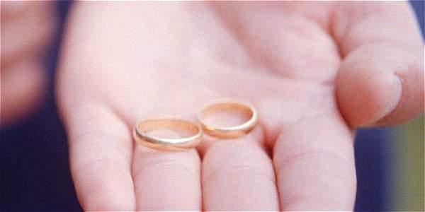 Corte ordena dividir una pensión entre esposa y compañera permanente
