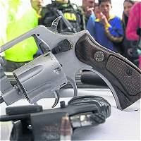 Se incautan 32 armas a tres empresas de seguridad