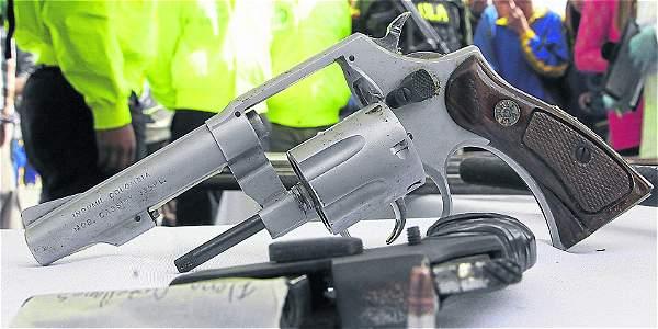 Se incautaron 32 armas, algunas de ellas habían sido hurtadas en los últimos meses a otras empresas de vigilancia del país.