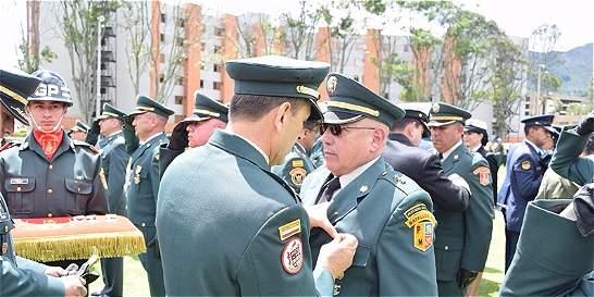 Cuarenta años conmemoran oficiales de Reserva de las Fuerzas Militares