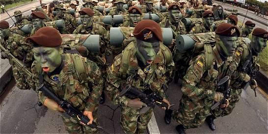 Las Fuerzas Militares desfilaron este 20 de julio por la paz
