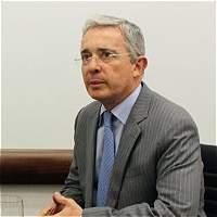 Abogado de Uribe dice que no hubo compulsa de copias por 'chuzadas'