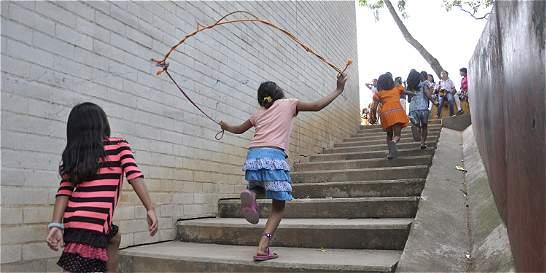 Cerca de 300 niños cubanos están hacinados en Turbo