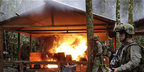 Destruyen 104 laboratorios de las Farc en selvas del Guaviare