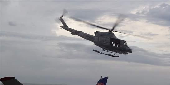 Rescatan a tripulación de aeronave que se declaró en emergencia