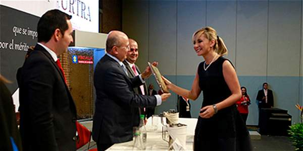 Citan a fiscales por los polémicos contratos de Natalia Springer