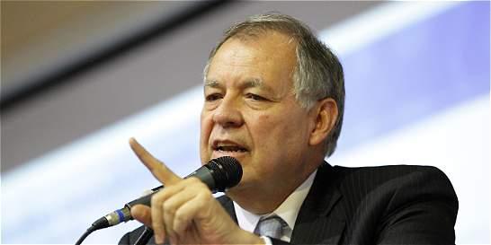 Procurador dice que Cámara de Representantes debe investigar a Santos
